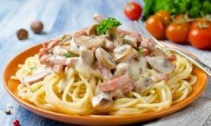 Špagety s bešamelom