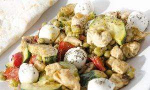 Kuracie prsia na zelenine s mozarellou