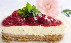 Malinová torta s mascarpone