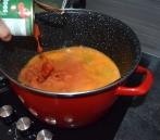 Mäsové guľky v paradajkovej omáčke sú mimoriadne obľúbenou klasikou