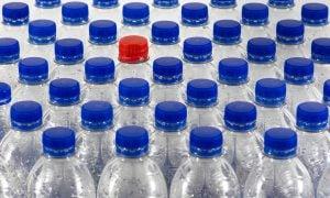 plastové fľaše