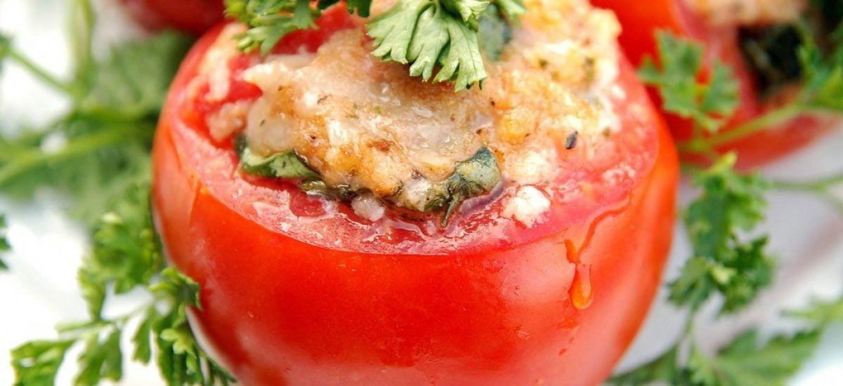 Plnená paradajka