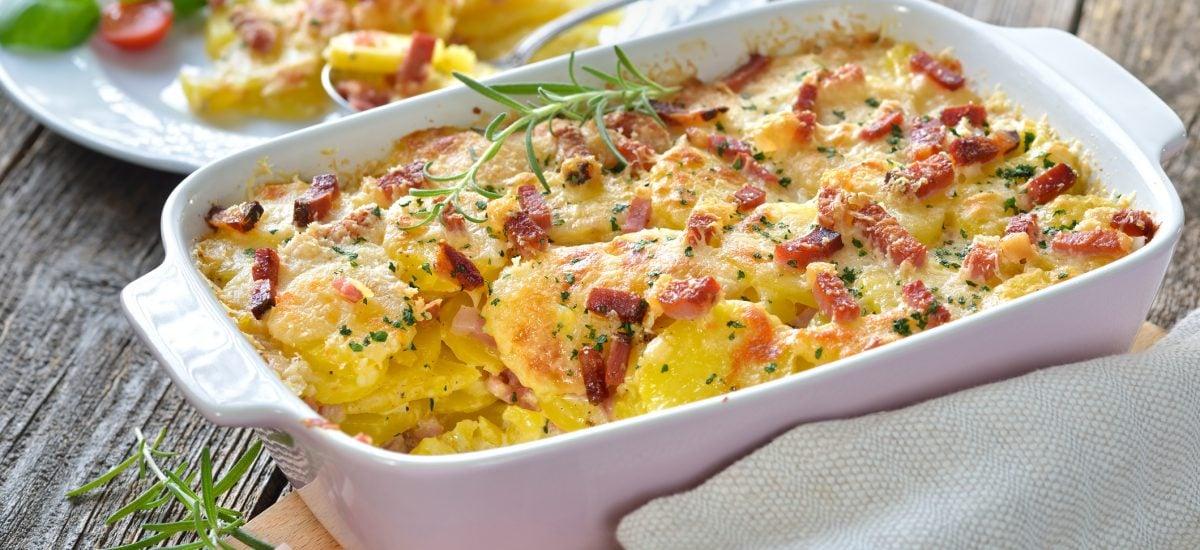 Zapečené zemiaky so slaninou