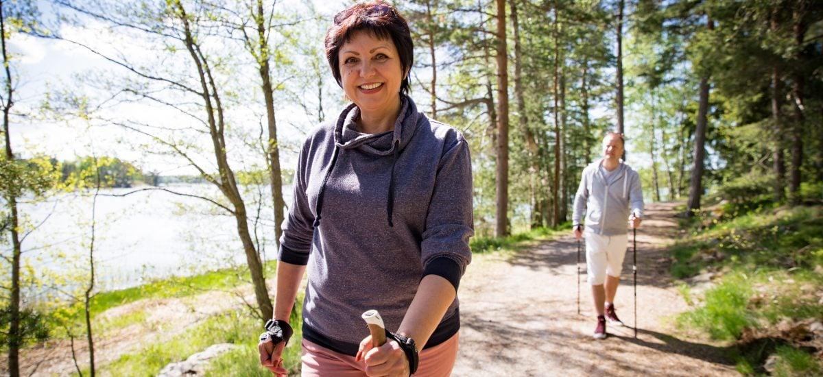 Nordic walking v podaní seniorov