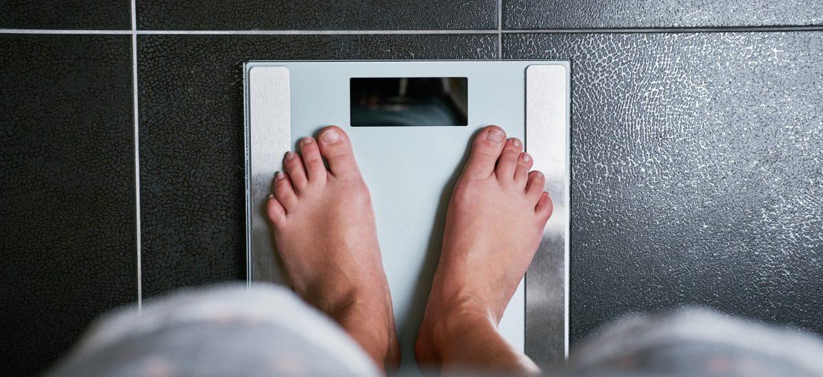 Váženie sa na váhe