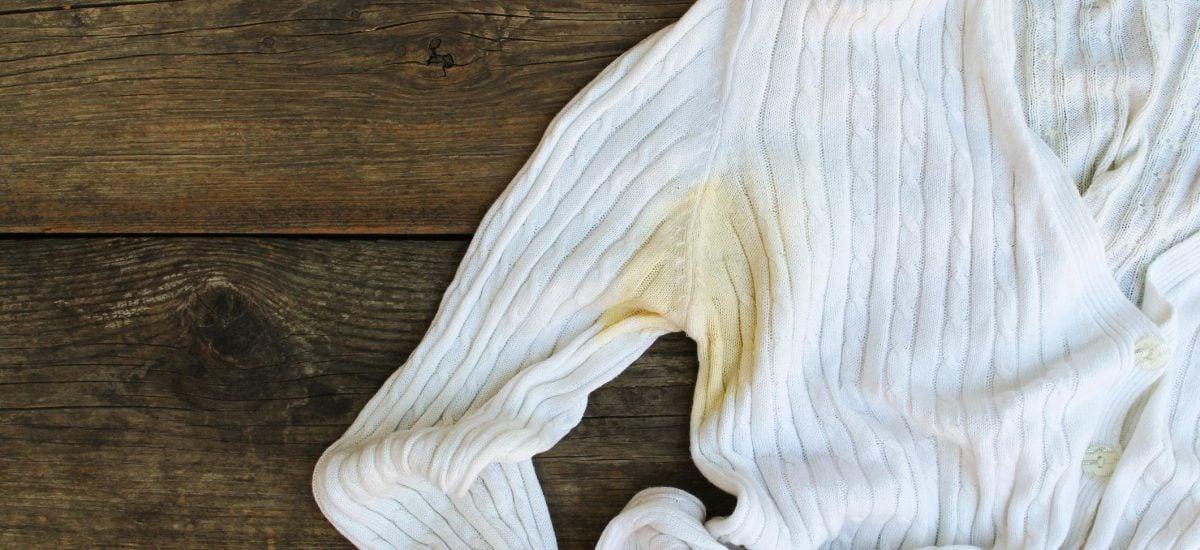 Špinavá škvrna na svetri