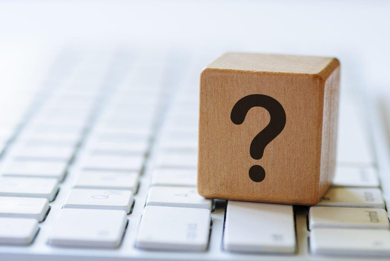 otáznik na klávesnici