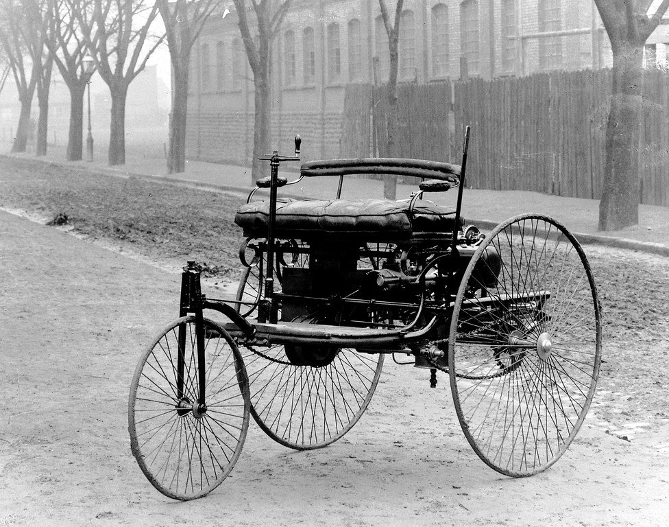 prvý automobil