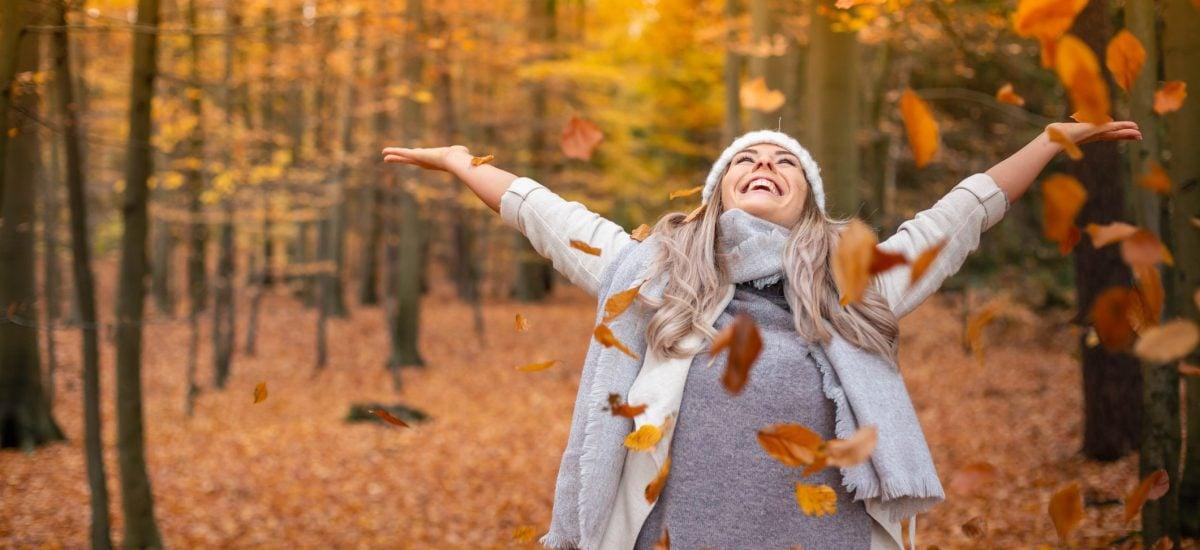 Žena v jesennom období