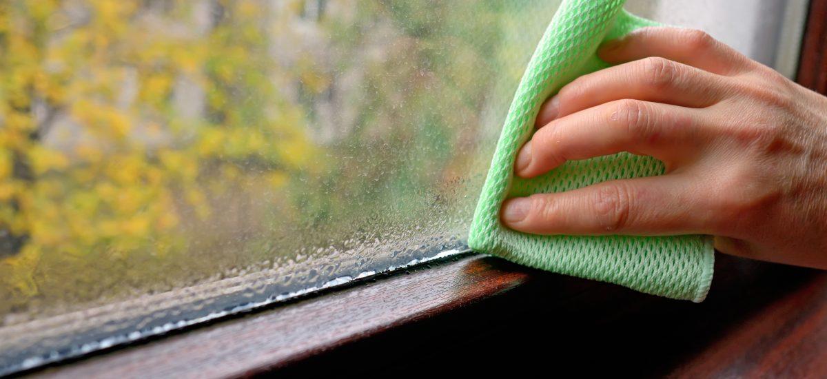 Utieranie okna