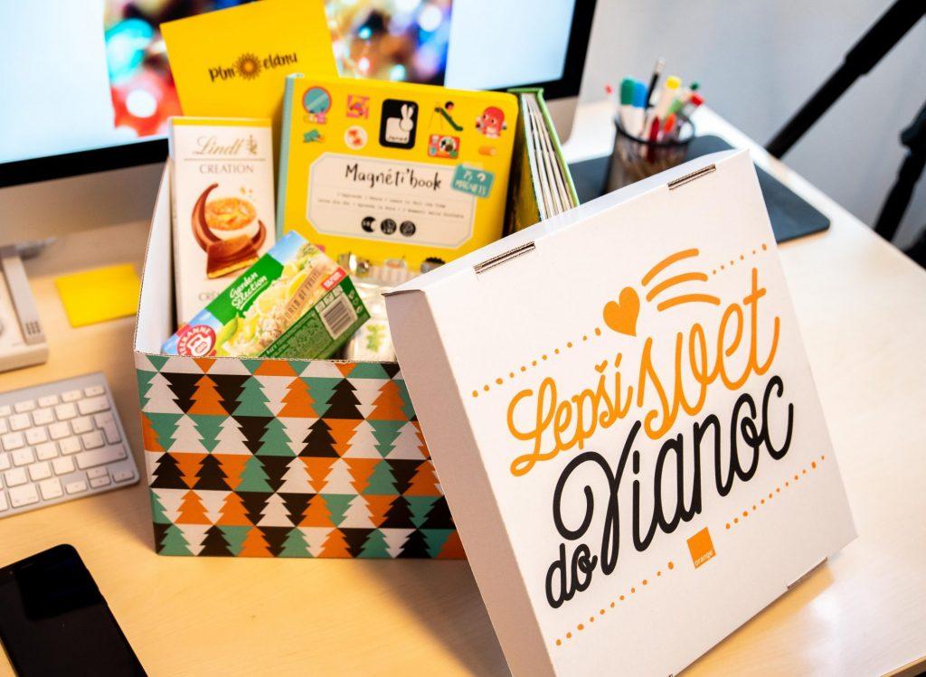 krabica naplnená darčekmi