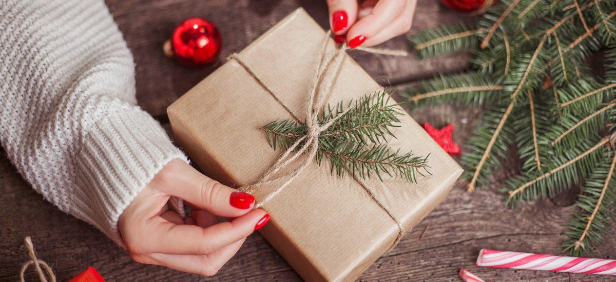 balenie vianočného darčeka