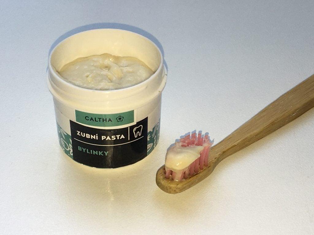 Zubná pasta Caltha