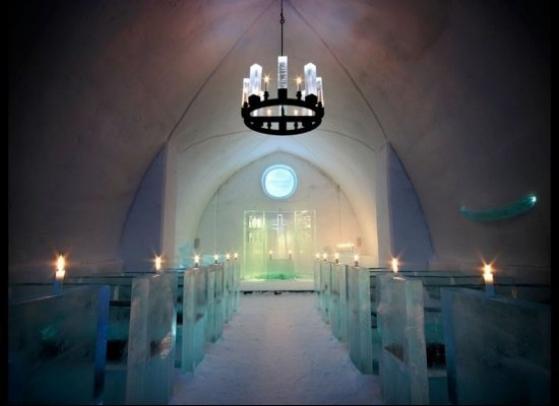 ICEHOTEL v Jukkasjärvi